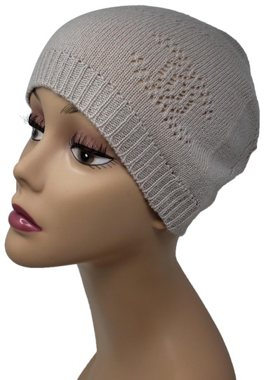 Preload https://img-static.tradesy.com/item/24579718/chanel-beige-cashmere-interlocking-cc-knit-beanie-hat-0-3-540-540.jpg