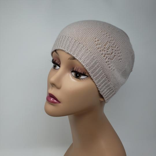 Chanel Beige cashmere Chanel interlocking CC knit beanie Image 5