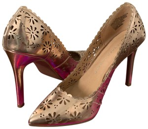 LC Lauren Conrad rose gold Pumps