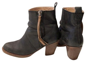 33eeadae812 Acne Studios Boots & Booties Up to 90% off at Tradesy