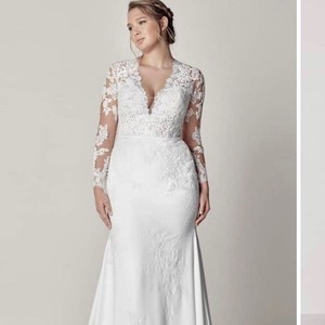 New Preowned Wedding Dresses Up To 90 Off At Tradesy