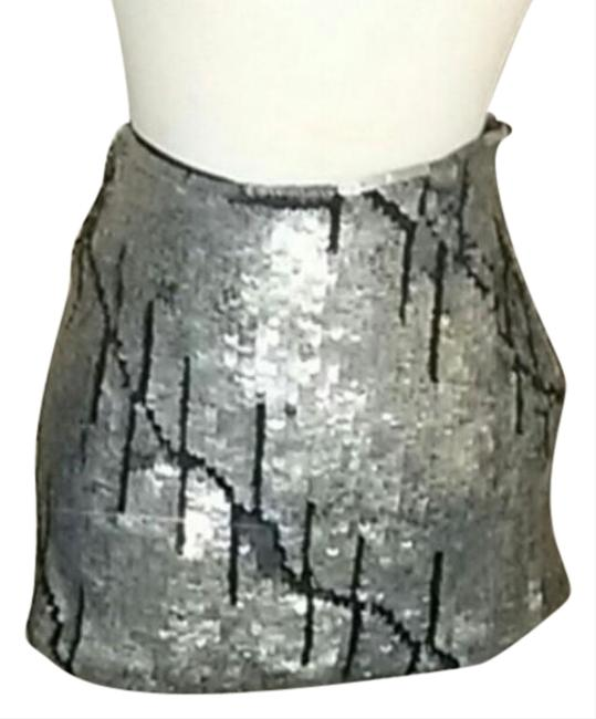 Preload https://img-static.tradesy.com/item/24580407/gryphon-silver-and-black-sequins-nwot-s-2-6-skirt-size-4-s-27-0-1-650-650.jpg