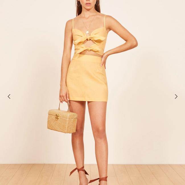 Reformation Top yellow Image 4