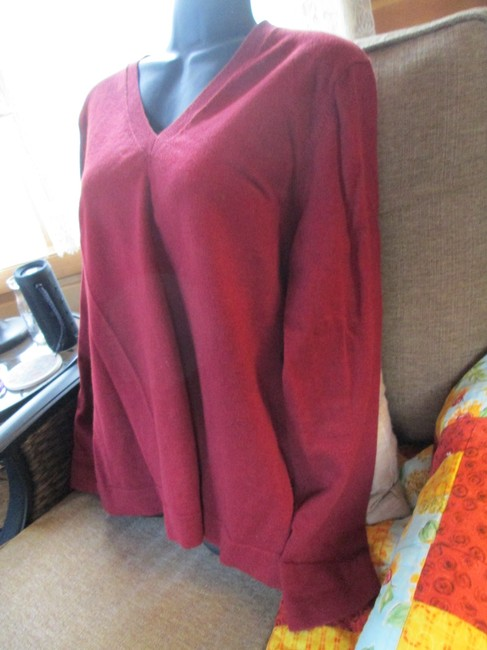Eddie Bauer V-neck Burgundy Casual Fall Winter Sweater Image 2