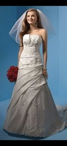 Alfred Angelo Diamond White Taffeta Style Number 2082 Formal Wedding Dress Size 4 (S)