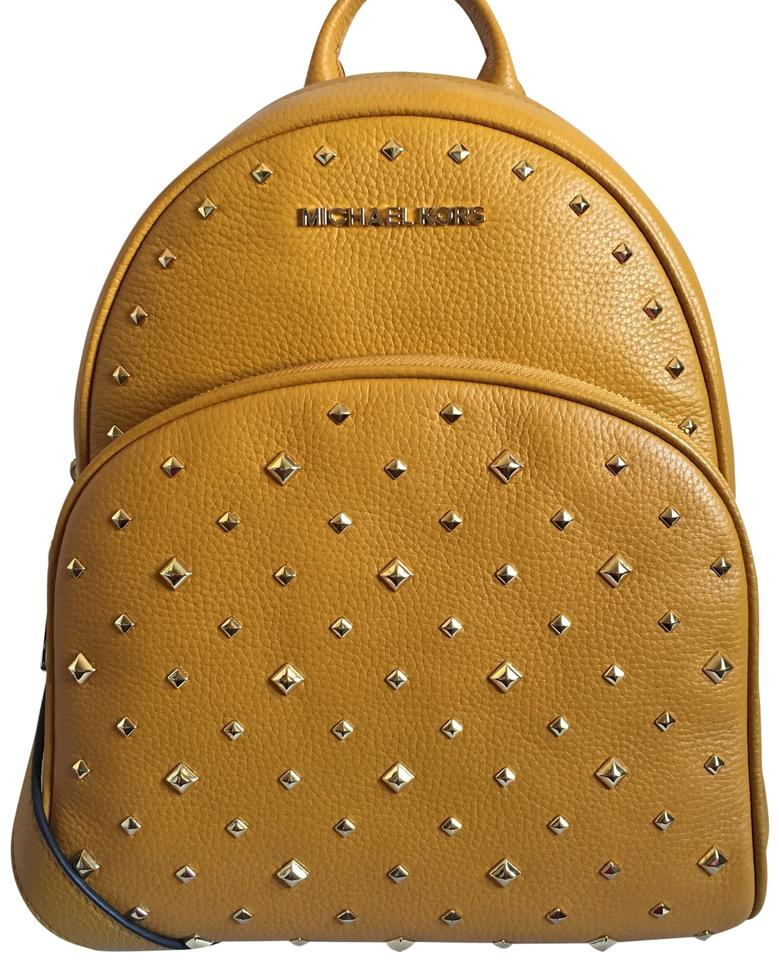 723fdef86a67 Michael Kors Medium Abbey Gold Leather Backpack - Tradesy