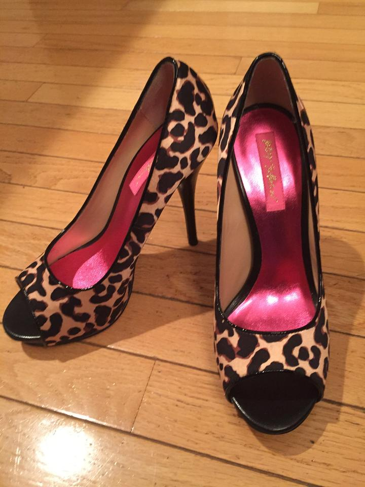 707949ce0230 Betsey Johnson Leopard See Picture Of Bottom Of Formal Shoes Size US ...