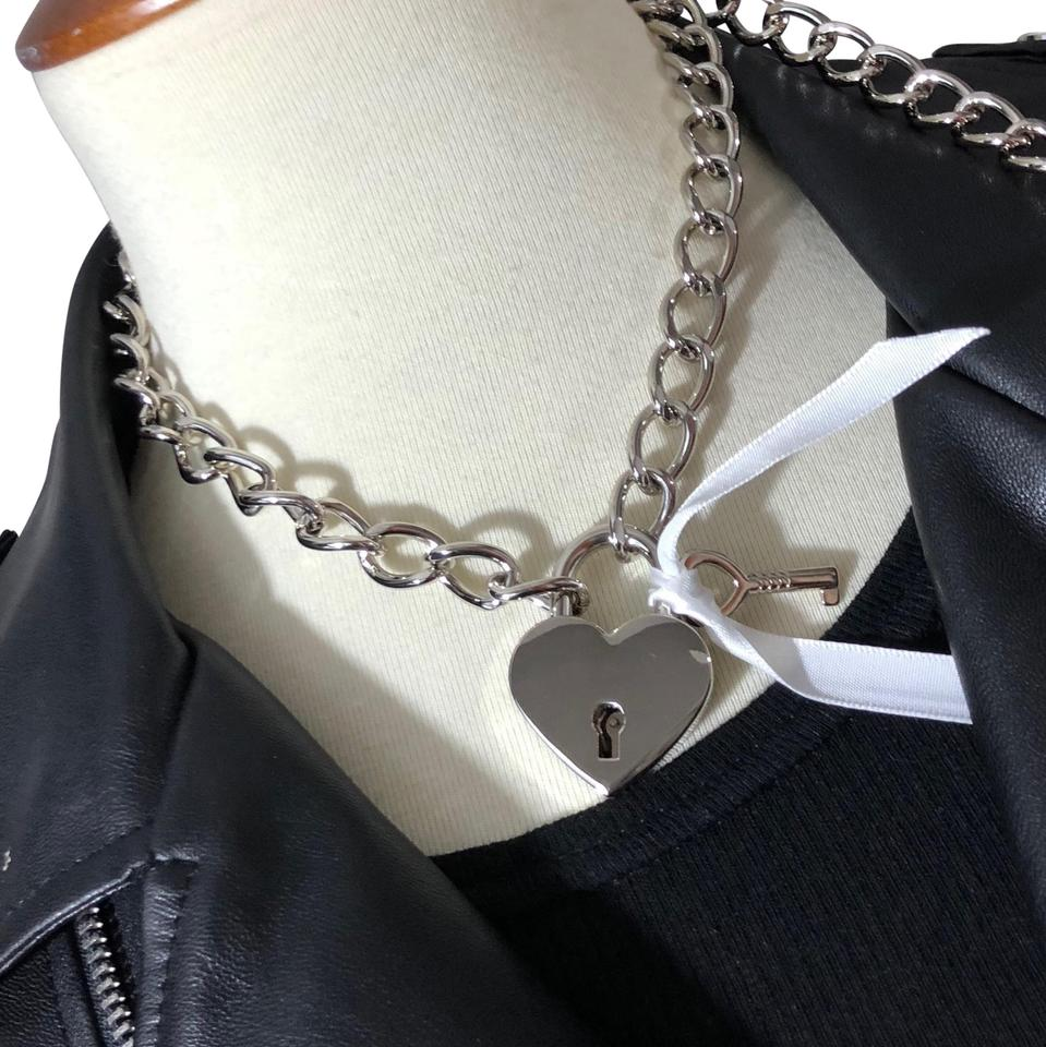 487910a85ce24 Thick Silver Chain Heart Lock & Key Choker Necklace