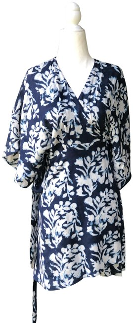 Item - Blue and White Wrap Short Casual Dress Size 8 (M)