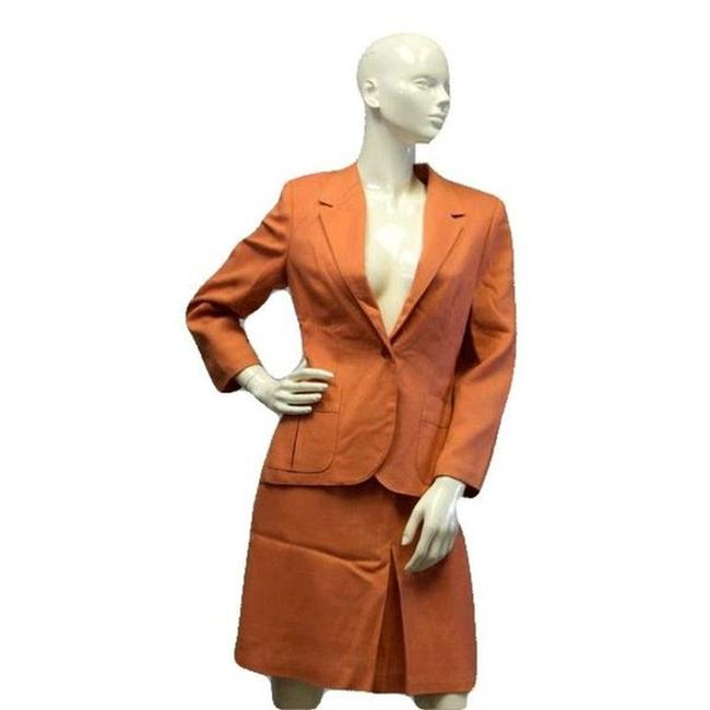 Preload https://img-static.tradesy.com/item/24587750/peach-keen-power-2-pc-sku-000084-skirt-suit-size-10-m-0-0-650-650.jpg
