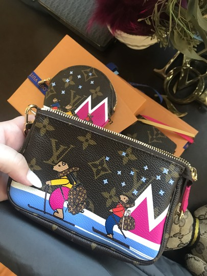 Louis Vuitton Christmas Animation Limited Edition Mini Pochette Cosmetic Wristlet in Monogram and Pink Image 8