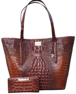 Brahmin Tote in Extra large