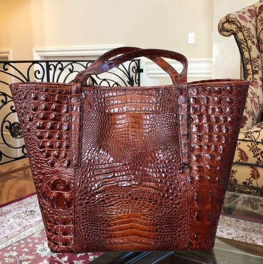 Brahmin Tote in Extra large Image 6
