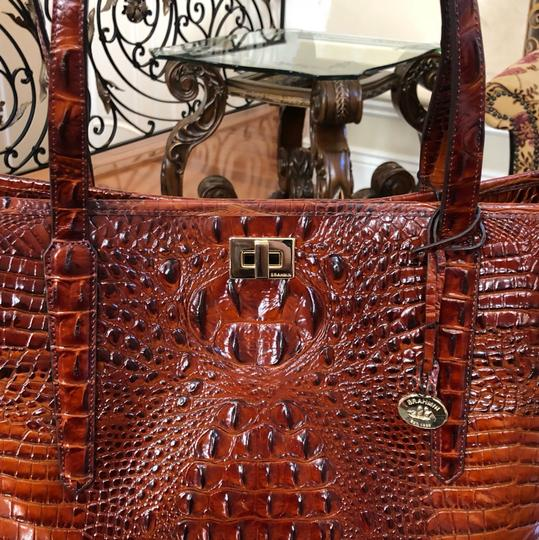 Brahmin Tote in Extra large Image 7