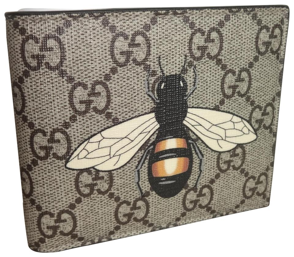 758e4b8272d Gucci Gucci Beige New Gg Supreme Canvas Large Bee Logo Bifold Wallet Image  0 ...