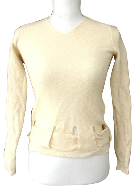 Preload https://img-static.tradesy.com/item/24588205/fendi-sweatersdesigner-clothes-ivory-wool-with-cut-out-woven-design-sweater-0-1-650-650.jpg