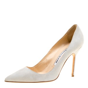 Manolo Blahnik Suede Leather Light Grey Pumps