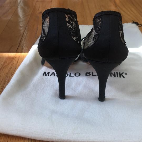 Manolo Blahnik Lace Pointed Toe Black Pumps Image 3