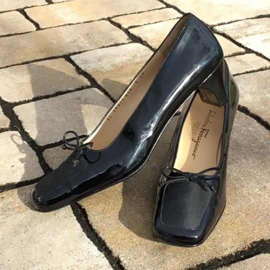 Salvatore Ferragamo Black Pumps Image 9