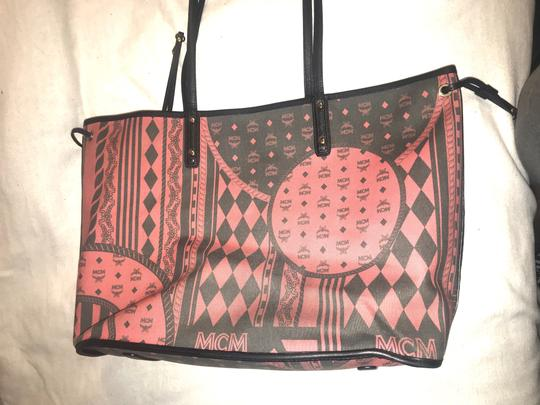 MCM 2016 Reversible Shopper Tote in Red Image 2