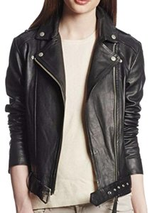 Women S Outerwear Up To 70 Off At Tradesy