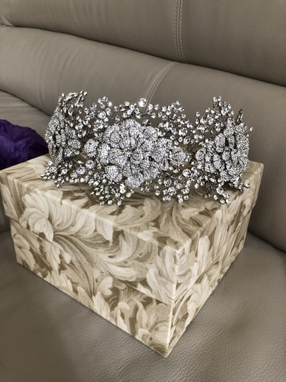 Bridal Styles Boutique Glamourous Crystal Tri Floral Hair Accessory Image 3