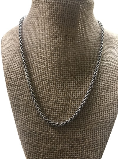 Preload https://img-static.tradesy.com/item/24589865/david-yurman-sterling-silver-wheat-chain-inches-4-mm-necklace-0-1-540-540.jpg