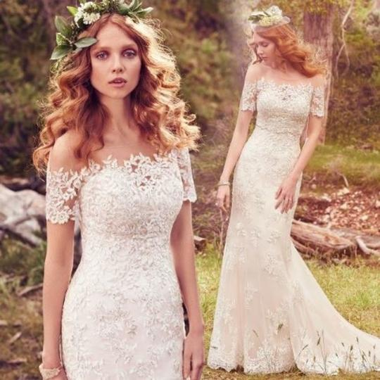 Preload https://img-static.tradesy.com/item/24589901/maggie-sottero-champagnepewter-accent-lace-reynold-feminine-wedding-dress-size-14-l-0-3-540-540.jpg