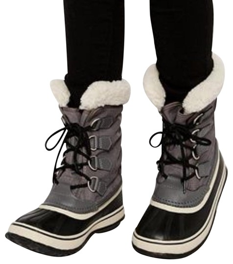 Preload https://img-static.tradesy.com/item/24589912/sorel-gray-winter-carnival-bootsbooties-size-us-95-regular-m-b-0-1-540-540.jpg