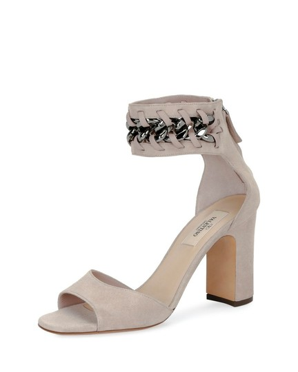 Preload https://img-static.tradesy.com/item/24590068/valentino-nude-suede-chain-ankle-strap-sandals-size-eu-395-approx-us-95-regular-m-b-0-0-540-540.jpg