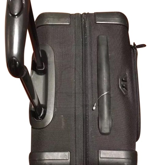 Preload https://img-static.tradesy.com/item/24590439/tumi-continental-expandable-4-wheeled-carry-on-22061d2-weekendtravel-bag-0-1-540-540.jpg