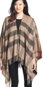 Burberry NWOT Burberry Check Print Wool & Cashmere Cape