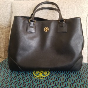 5d55f42a408a Tory Burch Robinson Totes - Up to 70% off at Tradesy (Page 5)