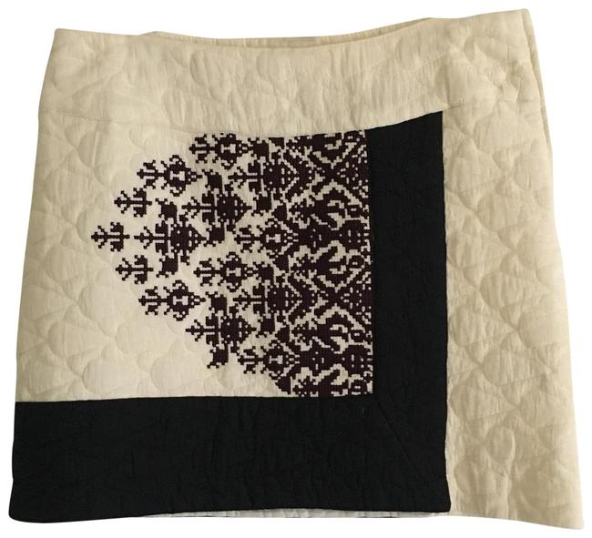 Item - Black & Winter White Quilted Skirt Size 6 (S, 28)