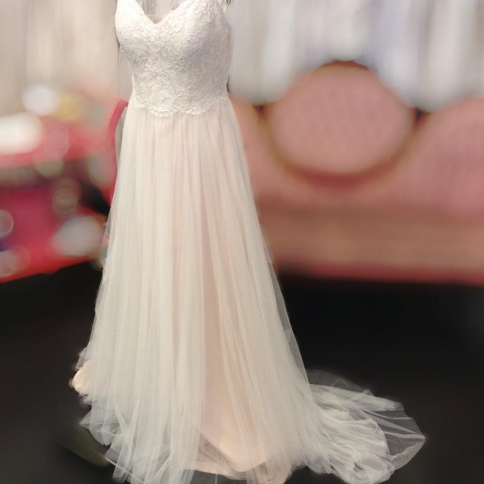 e5762414aec6 Stella York Blush English Net Barely There Flowing Lace Casual Wedding  Dress Size 10 (M ...