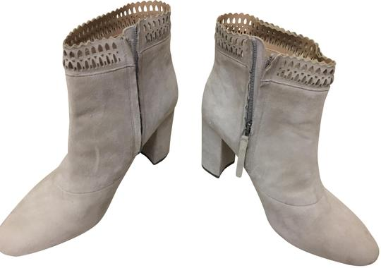 Preload https://img-static.tradesy.com/item/24591960/joe-s-gray-offwhite-suede-bootsbooties-size-us-10-regular-m-b-0-1-540-540.jpg