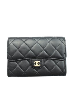 17c3cef5da07 Chanel Quilted Wallets - Up to 70% off at Tradesy (Page 2)
