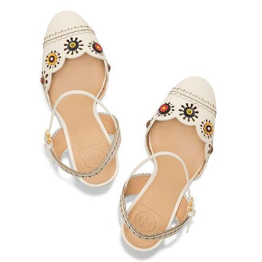 Preload https://img-static.tradesy.com/item/24593411/tory-burch-marguerite-perforated-slingback-sandal-formal-shoes-size-us-9-regular-m-b-0-0-540-540.jpg