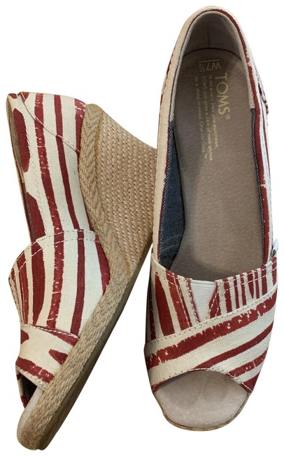 Item - Red and Cream Wedges Size US 7.5 Regular (M, B)