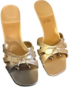 a2cc5bf49f55 Stuart Weitzman Slides Classy Heel Attractive Front Bow Neutral Color  Leather Sole Gold Tone Sandals