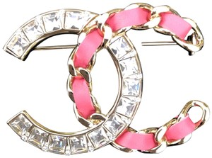 Chanel 2018 Chanel NWT Pink Gold Cc Crystal and Leather Brooch Chain SOLD OUT