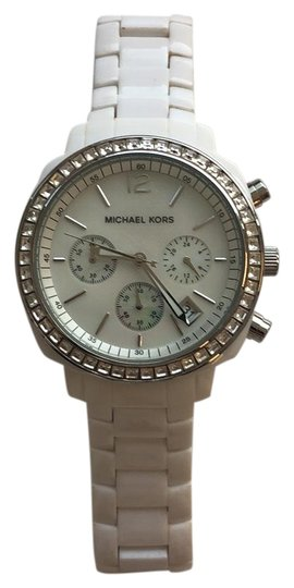 Preload https://img-static.tradesy.com/item/24597550/michael-kors-white-mk5079-watch-0-1-540-540.jpg