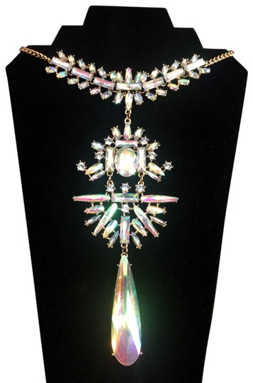Preload https://img-static.tradesy.com/item/24597562/oscar-de-la-renta-gold-vintage-signed-jaw-dropping-runway-glass-prism-necklace-0-1-540-540.jpg
