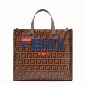 Fendi Totes on Sale - Up to 70% off at Tradesy 497b2591db16b