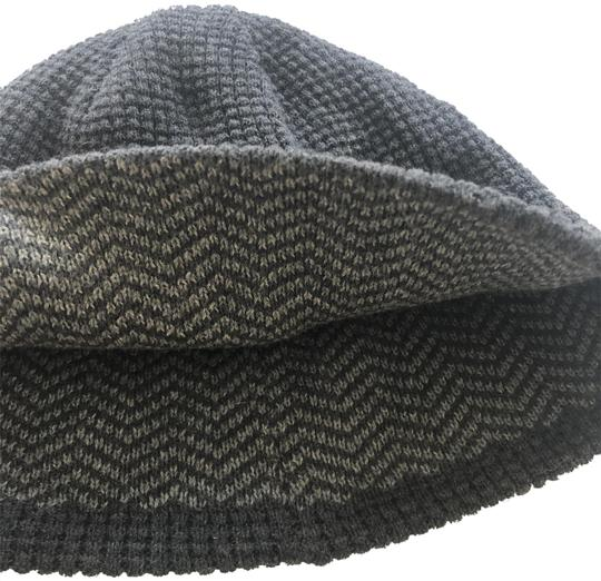 Preload https://img-static.tradesy.com/item/24597659/express-heather-grey-knitted-reversible-beanie-hat-0-1-540-540.jpg