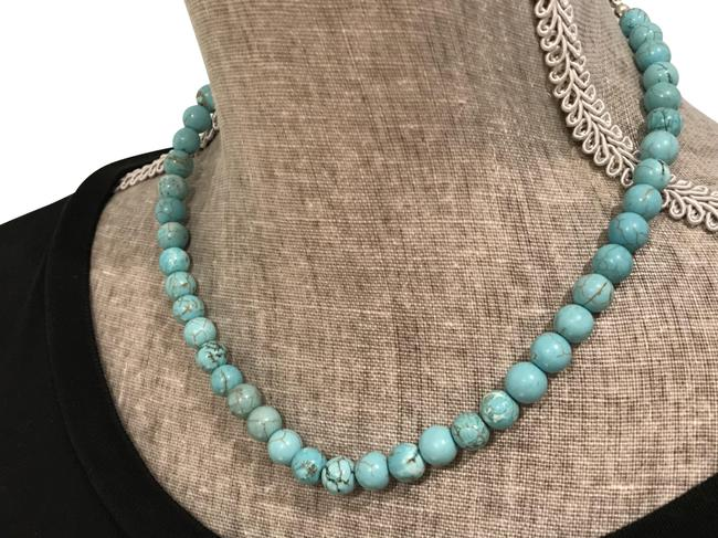 Item - Turquoise Silvertone Adjustable And Necklace