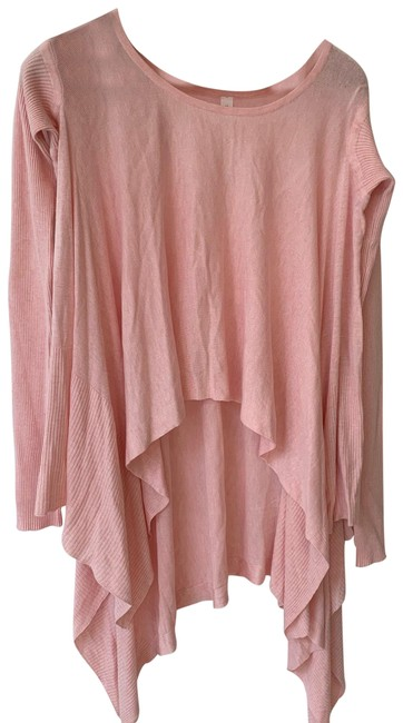 Preload https://img-static.tradesy.com/item/24597733/lululemon-ballet-pink-high-low-scarf-hem-activewear-top-size-10-m-0-3-650-650.jpg