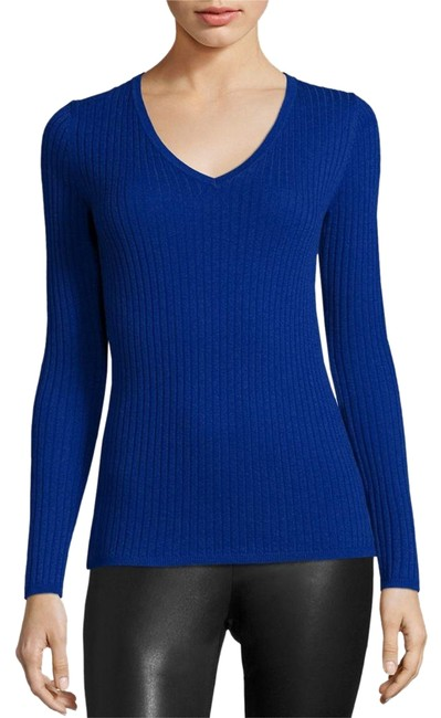 Preload https://img-static.tradesy.com/item/24597765/saks-fifth-avenue-collection-cashmere-blue-sweater-0-1-650-650.jpg