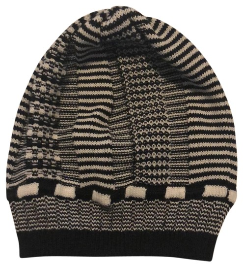 Preload https://img-static.tradesy.com/item/24597821/missoni-cappello-hat-0-1-540-540.jpg