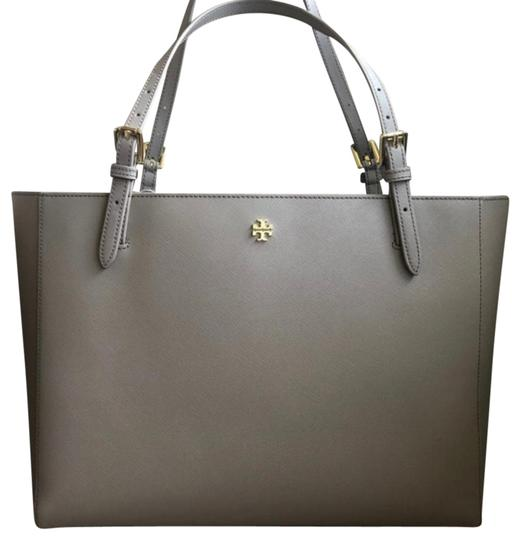 Preload https://img-static.tradesy.com/item/24598047/tory-burch-emerson-french-gray-saffiano-leather-tote-0-1-540-540.jpg